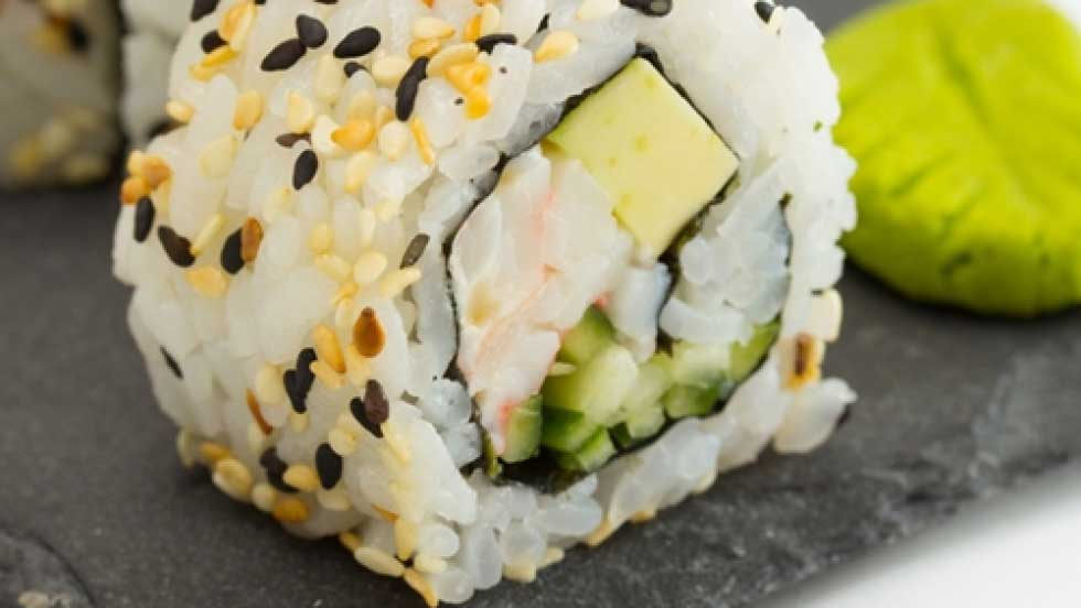 Tips To Follow When Rolling Your Sushi