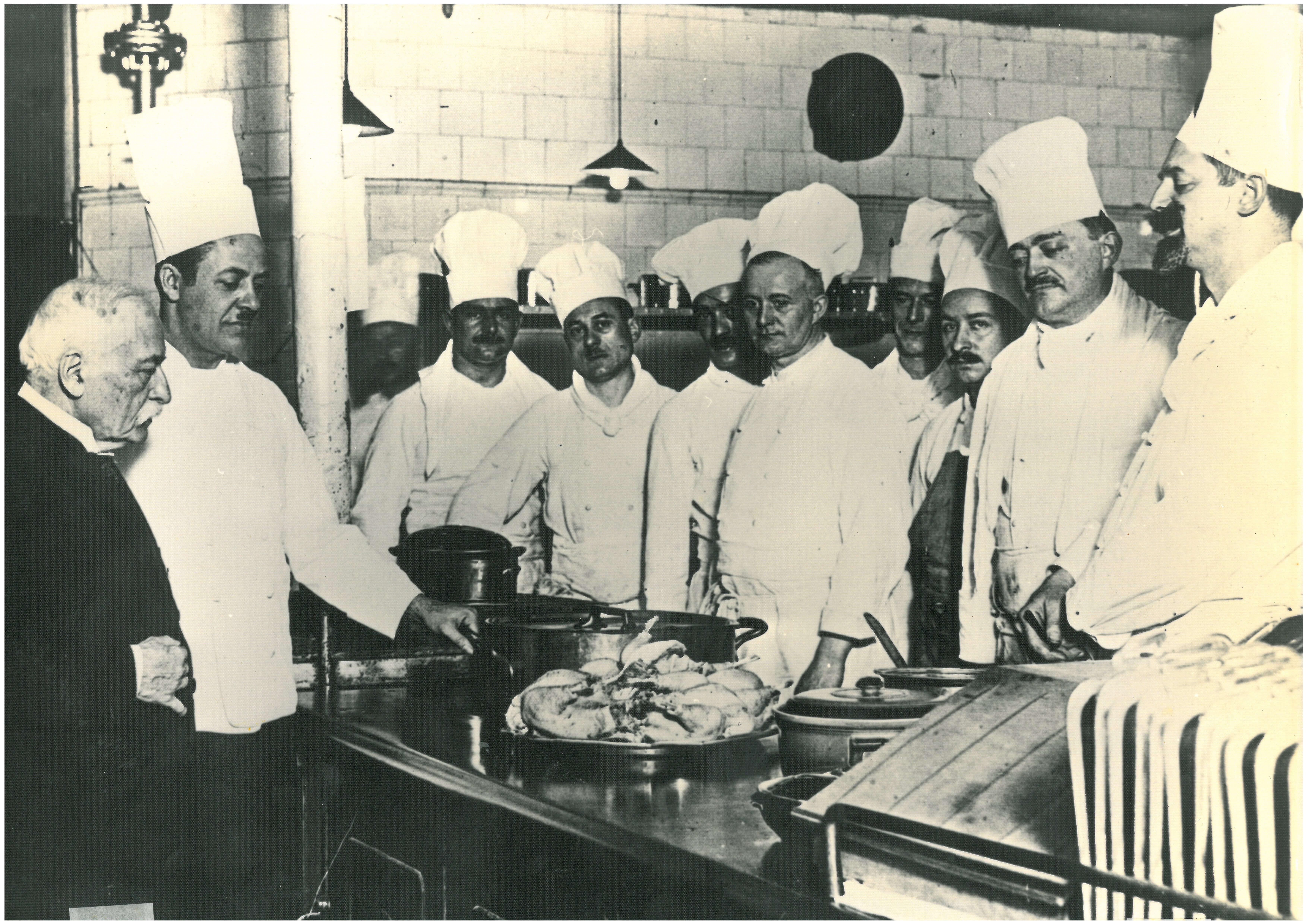 Auguste Escoffier et son personnel au Carlton de Londres