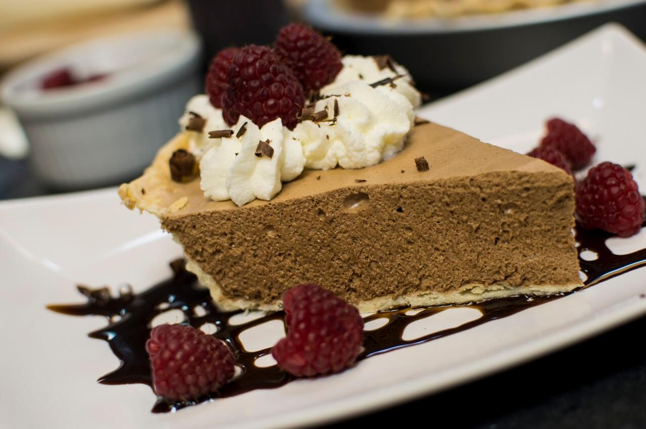 How To Make Chocolate Chiffon Pie | Escoffier Online International ...
