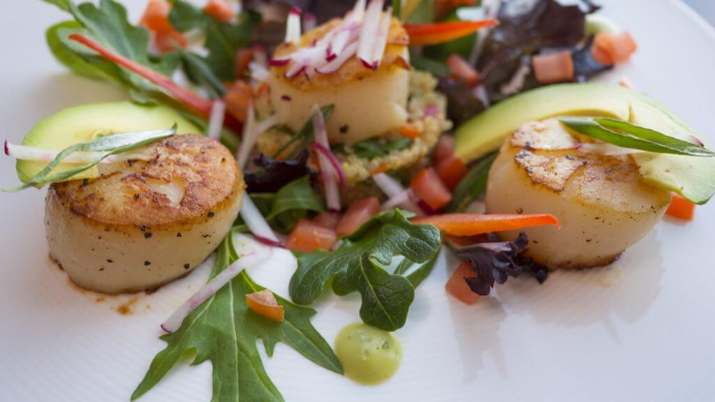 Seared scallops with a salad is a simple, quick and super healthy meal.